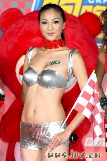 模而优则演的模特儿演员陈思璇也爱裸睡,原因同是可以让精神放轻松.