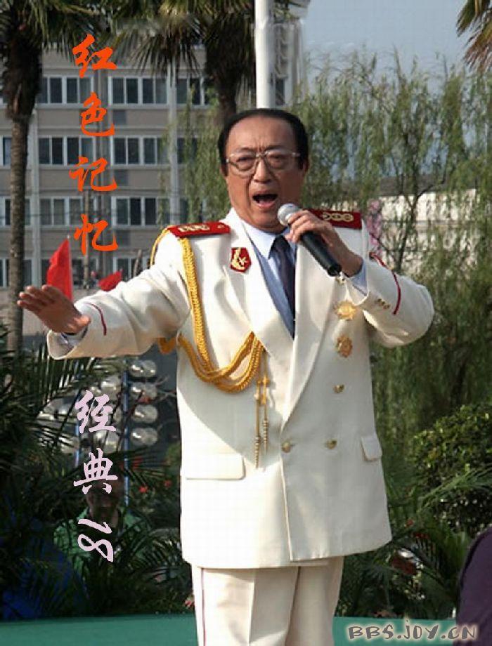 ...中国音乐家协会从事部队文艺工作.贾世骏音色甜美音质圆润...