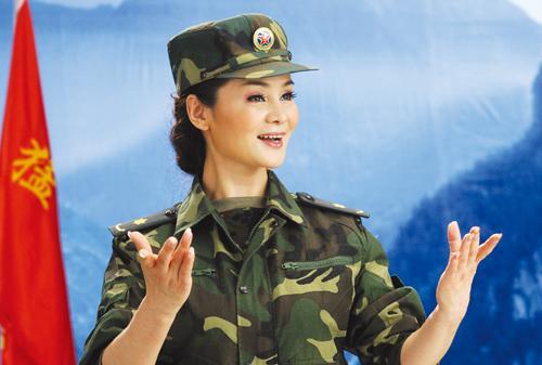 [11/8/2010]二炮歌舞团张华敏演唱俄罗斯民歌《喀秋莎